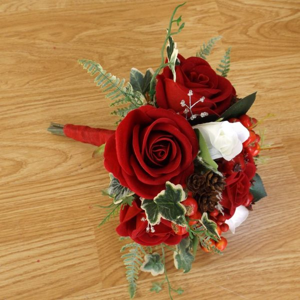 red velvet christmas bridesmaid bouquet