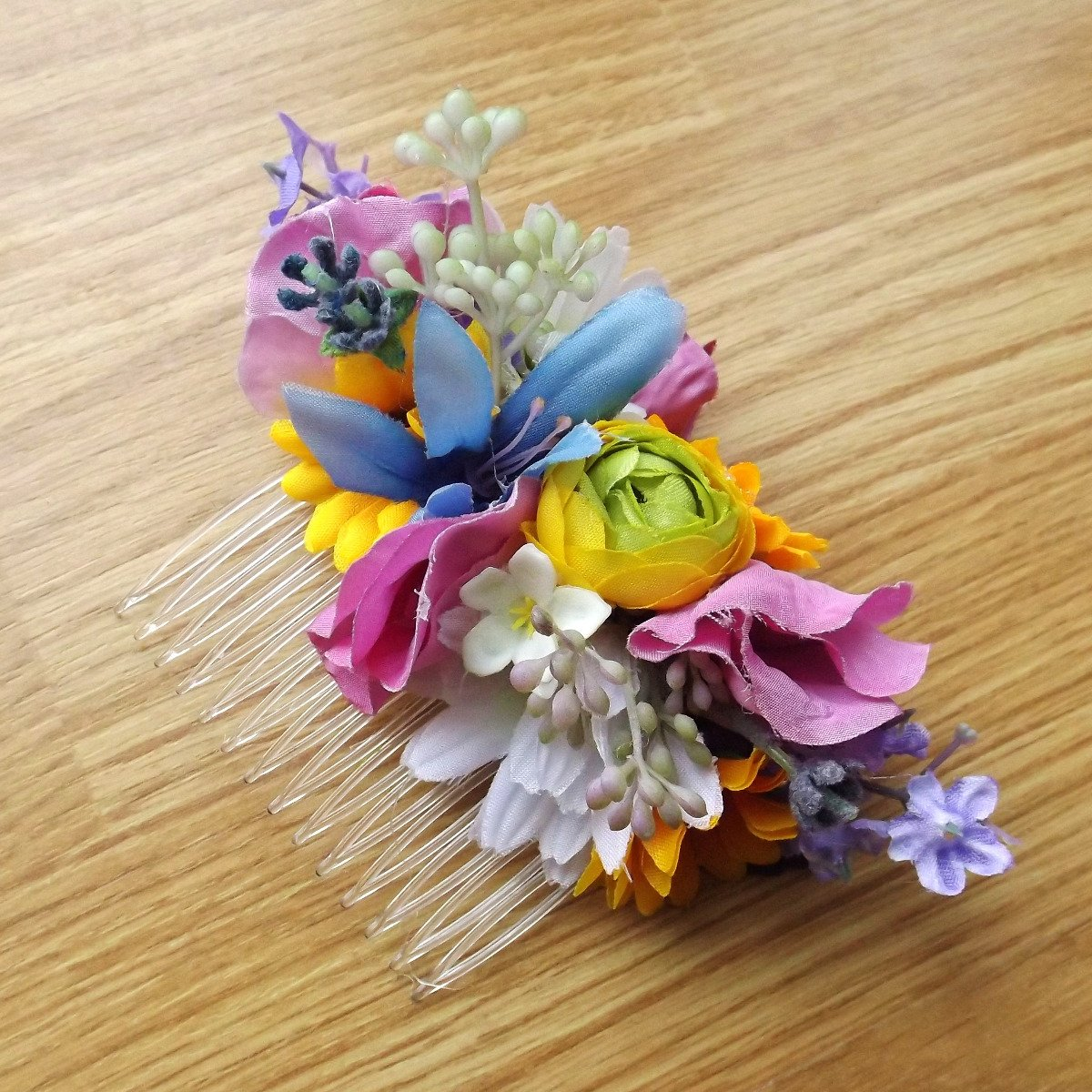 A silk wildflower hair comb